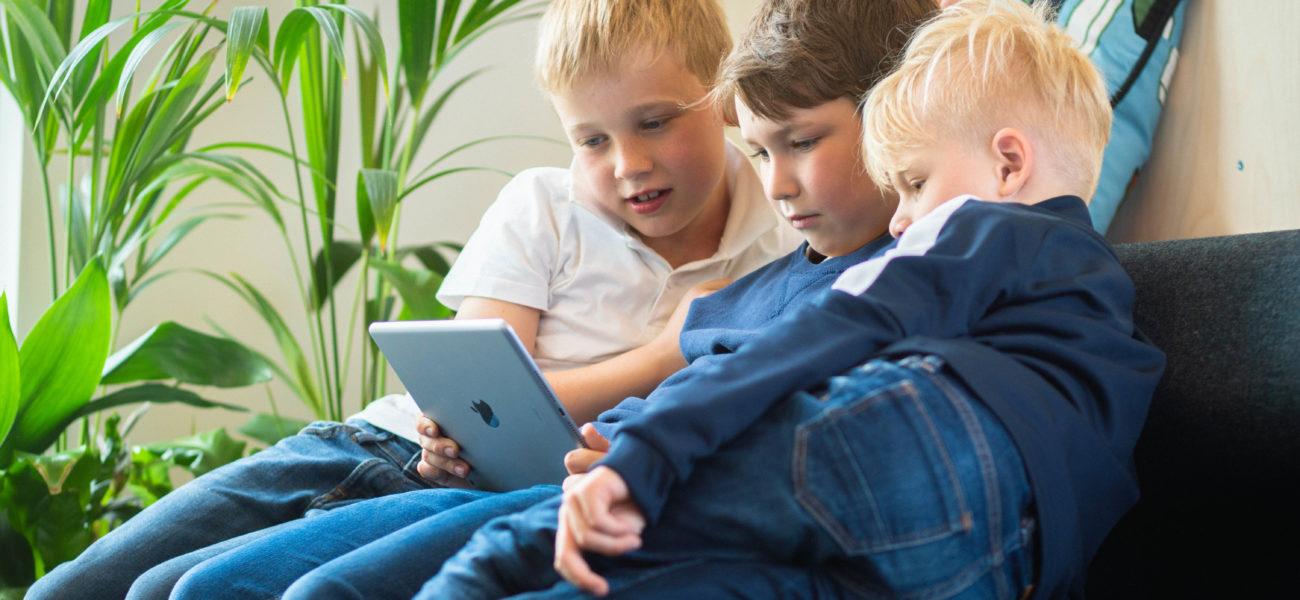 Barnas lesestund med Arne Svingen