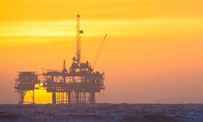 Hvordan håndterer norske energibedrifter samfunnsansvar i utlandet?
