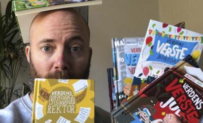 Verdens VERSTE forfatter - hjemme i stua